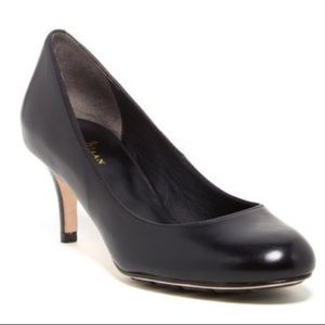 COLE HAAN Nike Air Low Heel and Round Toe Pumps